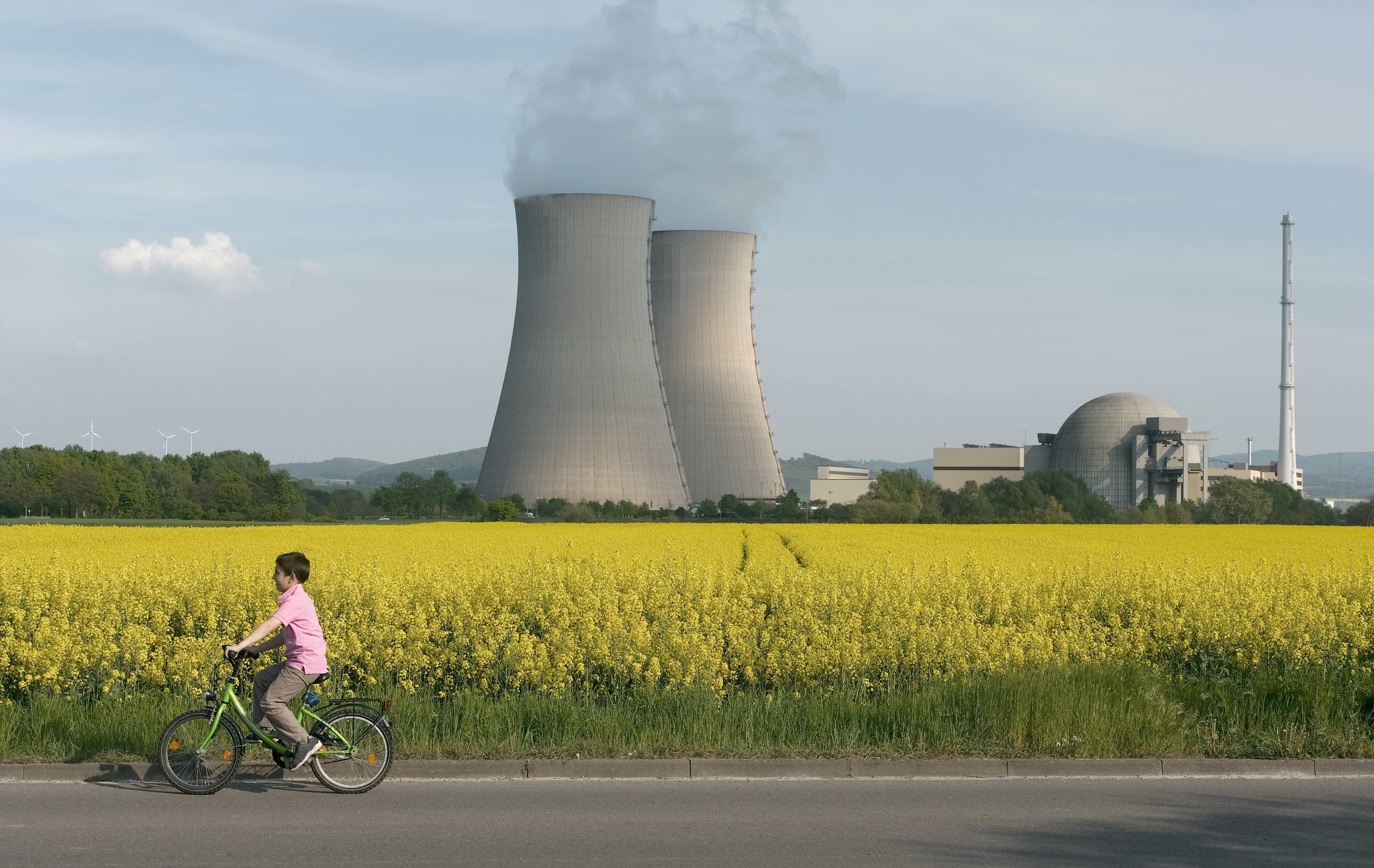 nuclear power should it be banned Avoiding apocalypse: congress should ban nuclear power  nuclear power is not clean or  one cannot meaningfully talk about why nuclear fission should be banned.